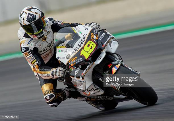 Alvaro Bautista of Spain and Angel Nieto Team rounds the bend during free practice for the MotoGP of Catalunya at Circuit de Catalunya on June 15...