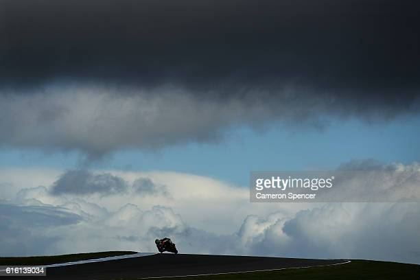 Alvaro Bautista of Spain and Aprilia Racing Team Gresini rides during free practice for the 2016 MotoGP of Australia at Phillip Island Grand Prix...