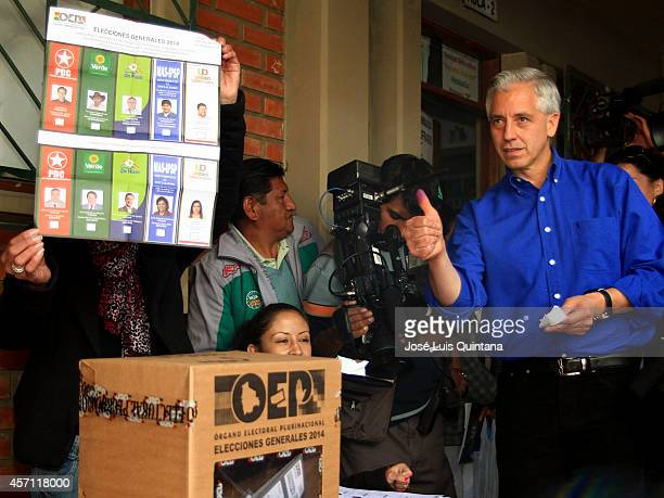 Alvaro Garcia Linera vice preseident of Bolivia votes during the day of national elections on October 12 2014 in La Paz Bolivia Incumbent president...