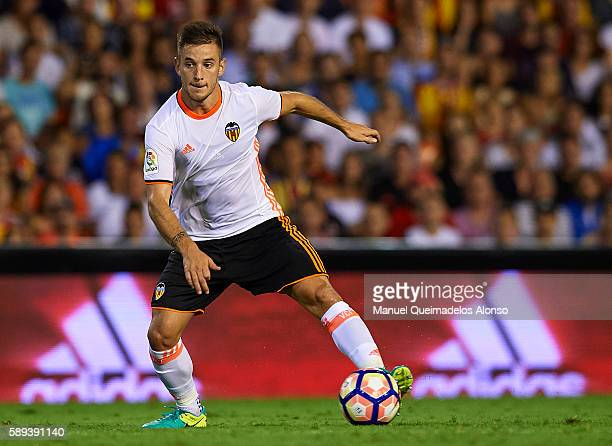 Alvaro Medran of Valencia controls the ball during the preseason friendly match between Valencia CF and AC Fiorentina at Estadio Mestalla on August...
