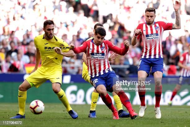 Alvaro Morata of Atletico Madrid scores his team's first goal during the La Liga match between Club Atletico de Madrid and Villarreal CF at Wanda...