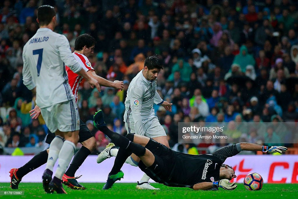 Alvaro Morata of Real Madrid CF scores their second goal during the La Liga match between Real Madrid CF and Athletic Club de Bilbao at Estadio Santiago Bernabeu on October 23, 2016 in Madrid, Spain.