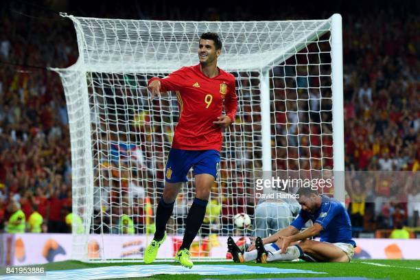 Alvaro Morata of Spain celebrates after scoring his team's third goal during the FIFA 2018 World Cup Qualifier between Spain and Italy at Estadio...