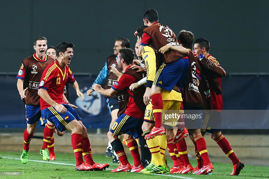 Alvaro Morata (2L) of Spain celebrates his team's winning goal with team mates during the UEFA European U21 Champiosnship Group B match between Germany and Spain at Netanya Stadium on June 9, 2013 in Netanya, Israel.