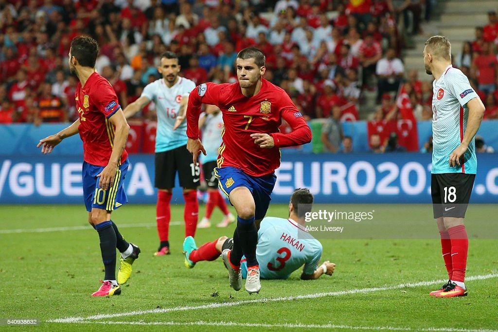 Spain v Turkey - Group D: UEFA Euro 2016 : News Photo