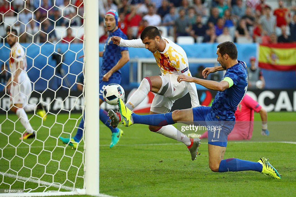 Croatia v Spain - Group D: UEFA Euro 2016