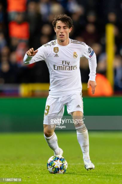 Alvaro Odriozola of Real Madrid controls the ball during the UEFA Champions League group A match between Club Brugge KV and Real Madrid at Jan...