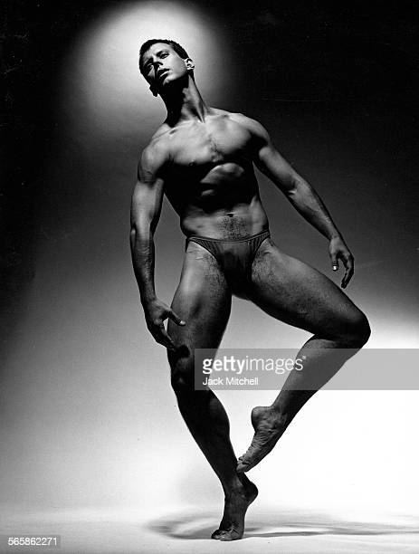 Alvin Ailey dancer Jonathan Reisling 1991 Photo by Jack Mitchell/Getty Images