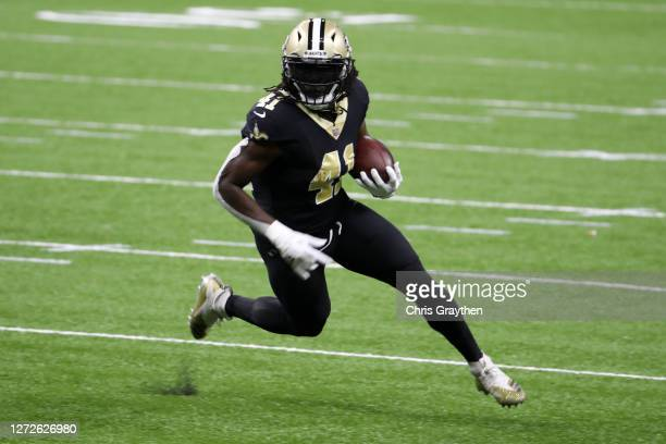 Alvin Kamara of the New Orleans Saints against the Tampa Bay Buccaneers at Mercedes-Benz Superdome on September 13, 2020 in New Orleans, Louisiana.