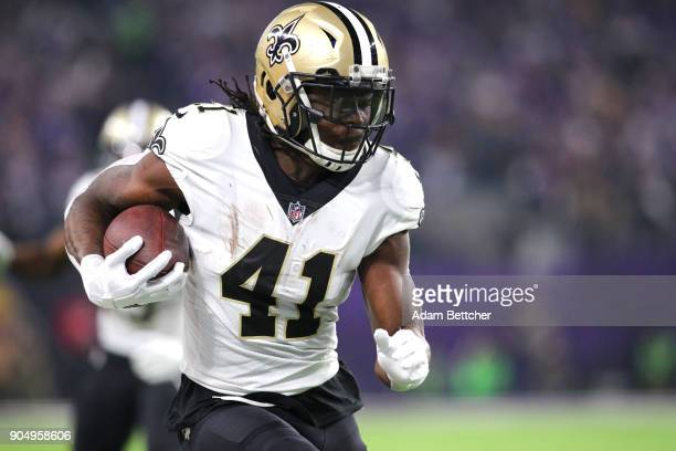 Alvin Kamara of the New Orleans Saints carries the ball in the second quarter of the NFC Divisional Playoff game against the Minnesota Viking on...