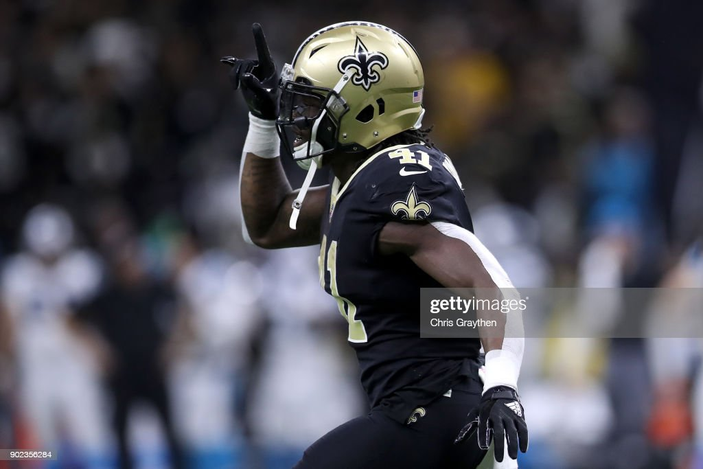 Alvin Kamara #41 of the New Orleans Saints reacts after scoring a touchdown against the Carolina Panthers at the Mercedes-Benz Superdome on January 7, 2018 in New Orleans, Louisiana.