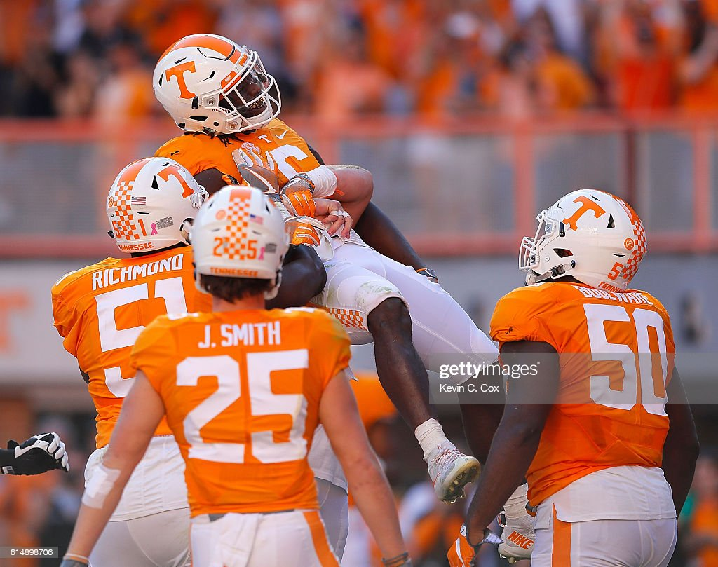 Alvin Kamara #6 of the Tennessee Volunteers reacts after rushing for a touchdown against the Alabama Crimson Tide at Neyland Stadium on October 15, 2016 in Knoxville, Tennessee.