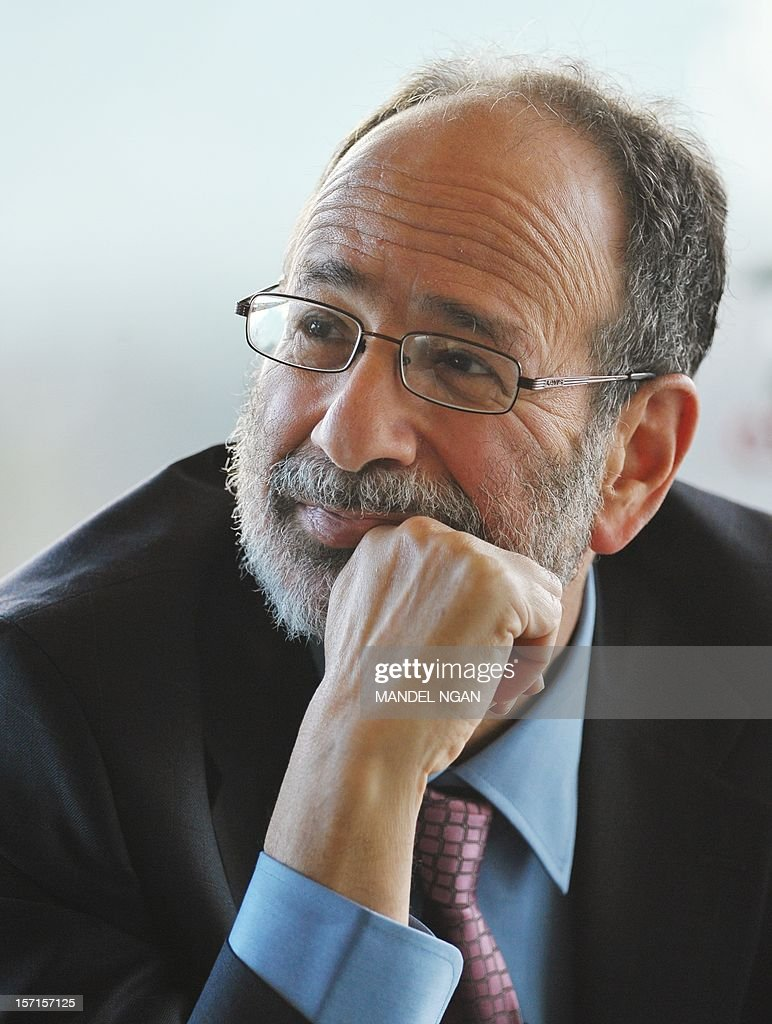 Alvin Roth, Nobel laureate for Economic Sciences, listens to a speaker during the 2012 Nobel Symposium at the Embassy of Sweden on November 29, 2012 in Washington, DC. AFP PHOTO/Mandel NGAN