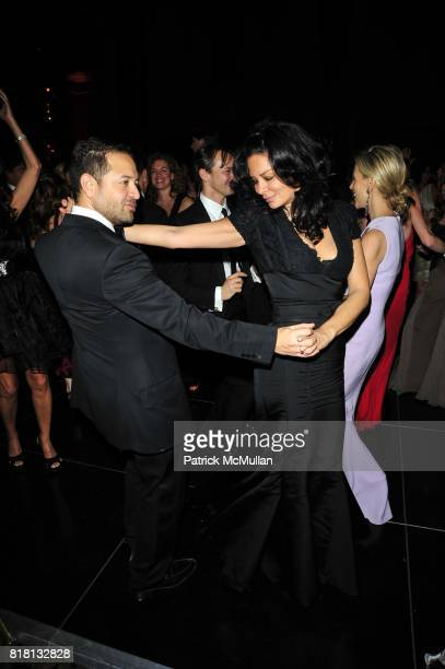 Alvin Valley and Rena Sindi attend Silver Hill Hospital 80th Anniversary Gala at Cipriani 42nd Street on November 11 2010 in New York City