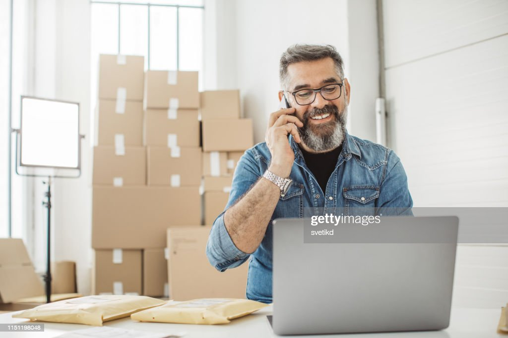 Always keep contact with customer : Stock Photo