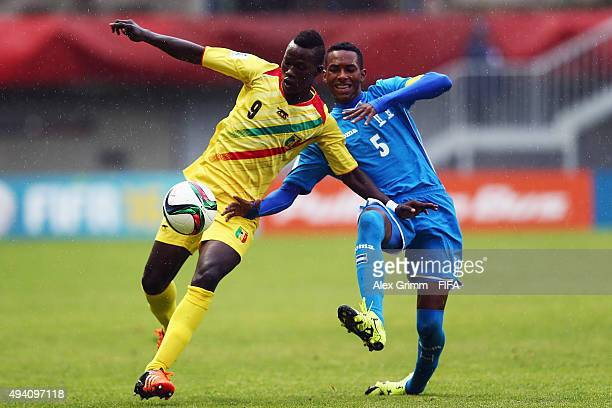Aly Malle of Mali is challenged by Dylan Andrade of Honduras during the FIFA U17 World Cup Chile 2015 Group D match between Mali and Honduras at...