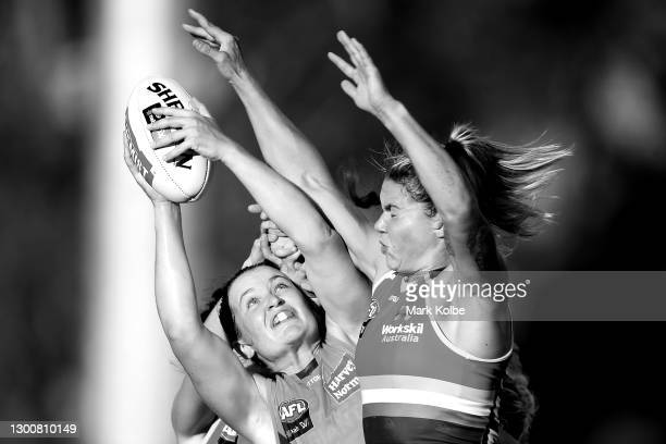 Alyce Parker of the Giants wins the mark over the pack during the round two AFLW match between the Greater Western Sydney Giants and the Adelaide...