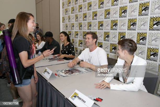 Alycia DebnamCarey Lennie James Danay Garcia Garret Dillahunt and Maggie Grace attend the 'Fear the Walking Dead' autograph signing with AMC during...