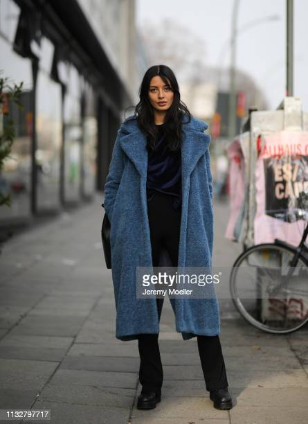 Alyssa Cordes wearing Samsoe Samsoe jacket Topshop trouser Gestuz sweater Velt bag and Vagabond shoes on February 28 2019 in Berlin Germany