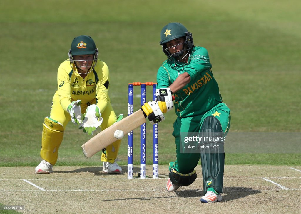 Alyssa Healy of Australia looks on as Sana Mir of Pakistan hits out during The ICC Women's World Cup 2017 match between Pakistan and Australia at Grace Road on July 5, 2017 in Leicester, England.