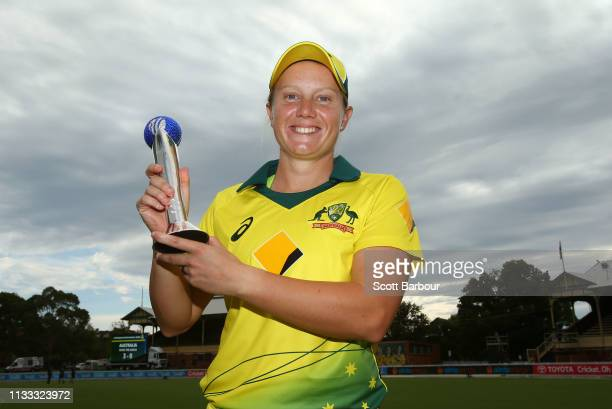 Alyssa Healy of Australia poses with the 2018 ICC T20 International Player of the Year award after game three of the One Day International Series...