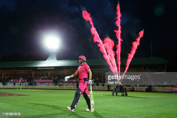 Alyssa Healy of the Sixers walks out to bat during the Women's Big Bash League match between the Sydney Sixers and the Sydney Thunder at North Sydney...