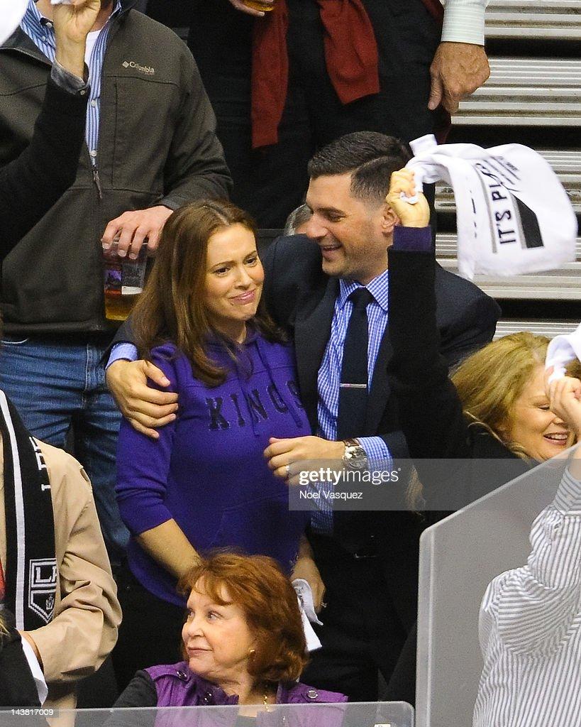 Alyssa Milano dating hockeyspelers