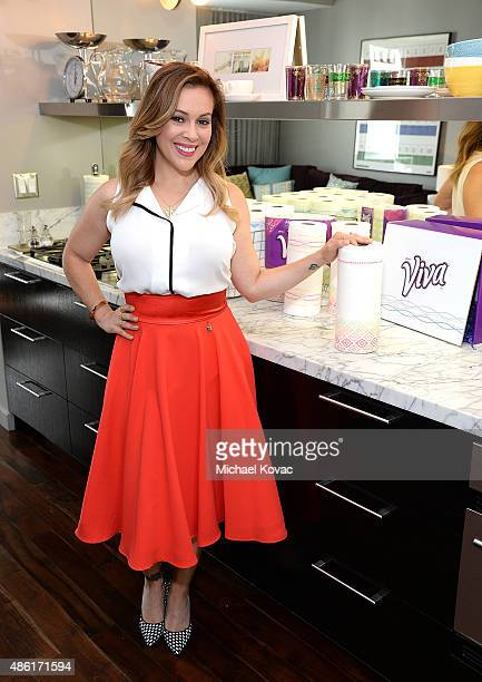 Alyssa Milano teams up with Viva Brand to transform traditional paper towels into kitchen couture with the launch of the Alyssa Milano Signature...