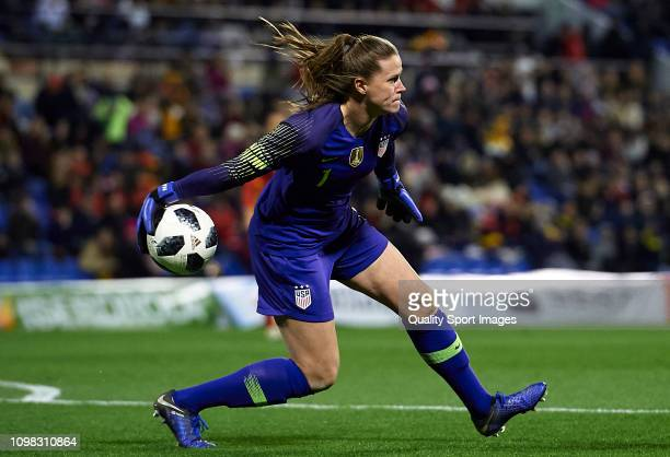 Alyssa Naeher of The United States in action during the Women's International Friendly match between Spain and The United States at Estadio Jose Rico...
