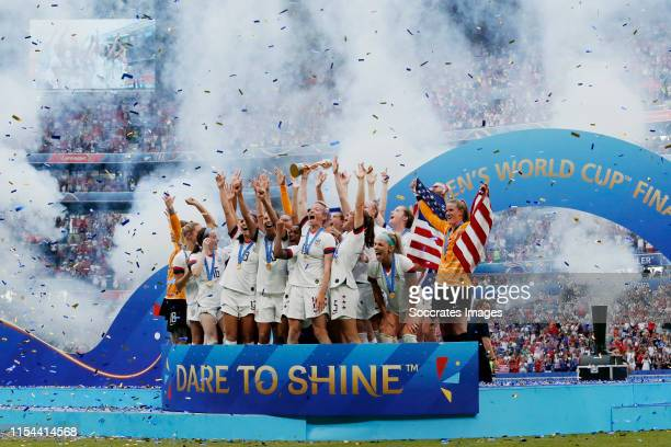 Alyssa Naeher of USA Women, Mallory Pugh of USA Women, Samantha Mewis of USA Women, Becky Sauerbrunn of USA Women, Kelley O Hara of USA Women, Morgan...