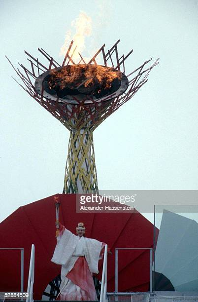 NAGANO 1998 am 070298 Midori ITO /EROEFFNUNGSFEIER/OLYMPISCHEN FLAMME