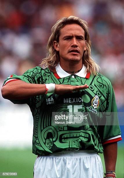 FRANCE 98 am 130698 NATIONALMANNSCHAFT 1998 MEXICO Luis HERNANDEZ/MEX