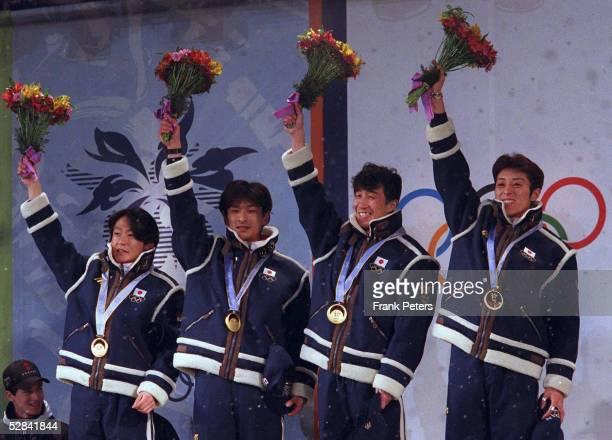 Am 17.02.98, Hiroya SAITO/Takanobu OKABE/Masahiko HARADA/Kazuyoshi FUNAKI - JPN TEAM-GOLD - GOLDMEDAILLE GOLD MEDAILLE