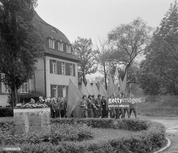 Am wird an der Universität Jena ein Sportfest eröffnet. Das Ereignis ist mit einer Gedenkzeremonie an die Opfer des Konzentrationslagers Buchenwald...