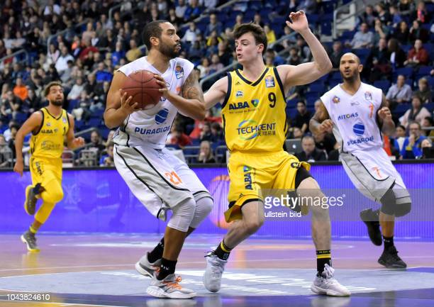 am Ball Andrew WarrenJonas Mattisseck Berlin vs Mitteldeutscher Basketball Clubeasy Credit 19BBLSpieltag Basketball Mercedes Benz Arena Berlin