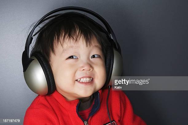 Me estoy música