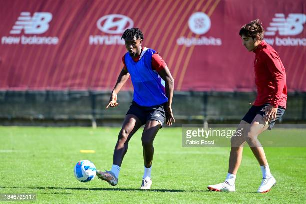 Amadou Diawara and Gonzalo Villar during a training session at Centro Sportivo Fulvio Bernardini on October 15, 2021 in Rome, Italy.