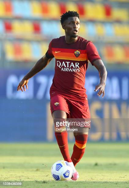 Amadou Diawara of AS Roma controls the ball during the Pre-Season friendly match between Frosinone Calcio and AS Roma at Stadio Benito Stirpe on...