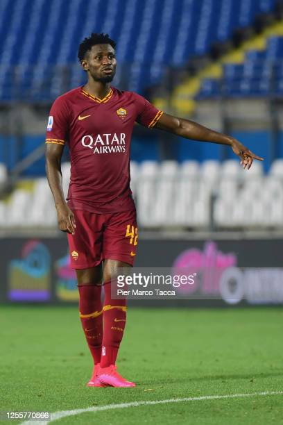 Amadou Diawara of AS Roma gestures during the Serie A match between Brescia Calcio and AS Roma at Stadio Mario Rigamonti on July 11, 2020 in Brescia,...