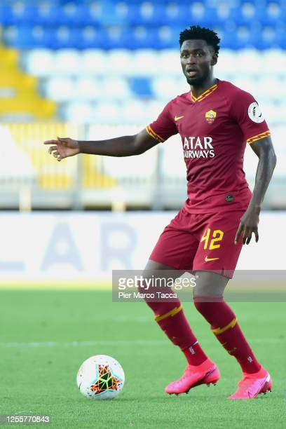 Amadou Diawara of AS Roma in action during the Serie A match between Brescia Calcio and AS Roma at Stadio Mario Rigamonti on July 11, 2020 in...