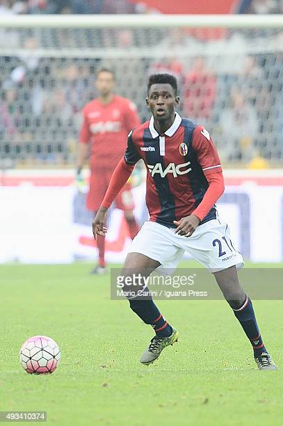Amadou Diawara of Bologna FC in action during the Serie A match between Bologna FC and US Citta di Palermo at Stadio Renato Dall'Ara on October 18,...