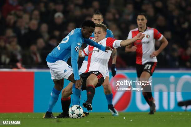 Amadou Diawara of Napoli Jens Toornstra of Feyenoord during the UEFA Champions League match between Feyenoord v Napoli at the Feyenoord Stadium on...