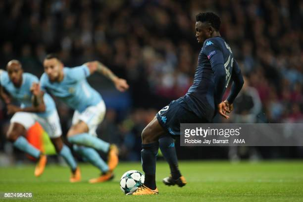 Amadou Diawara of Napoli scores a goal to make it 2-1 during the UEFA Champions League group F match between Manchester City and SSC Napoli at Etihad...