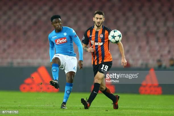 Amadou Diawara of Napoli vies Facundo Ferreyra of Shakhtar Donetsk during the UEFA Champions League Group F football match Napoli vs Shakhtar Donetsk...