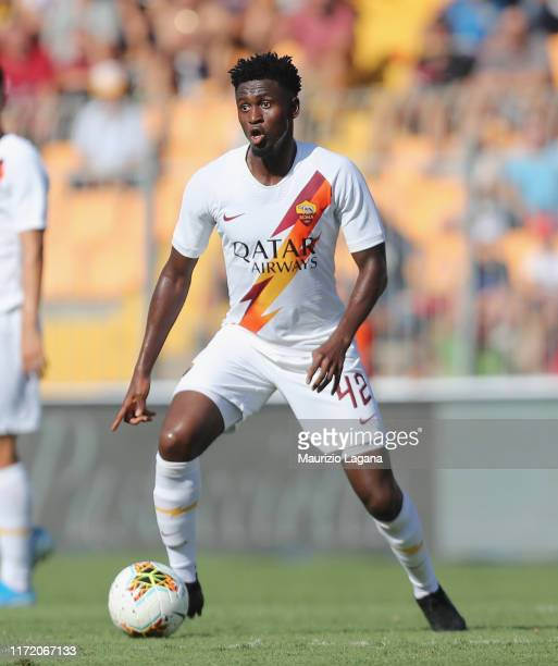 Amadou Diawara of Roma during the Serie A match between US Lecce and AS Roma at Stadio Via del Mare on September 29, 2019 in Lecce, Italy.