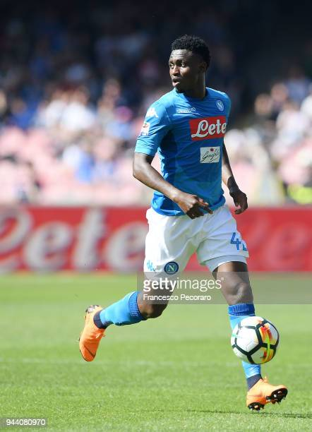 Amadou Diawara of SSC Napoli in action during the serie A match between SSC Napoli and AC Chievo Verona at Stadio San Paolo on April 8 2018 in Naples...