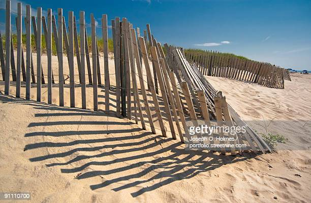 amagansett beach fence - joseph o. holmes stock pictures, royalty-free photos & images