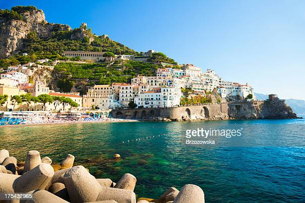küste von amalfi, italien - terrassenfeld stock-fotos und bilder