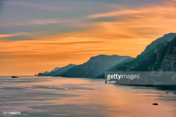アマルフィ海岸 - 地中海 - ポジターノ - アマルフィ海岸 ストックフォトと画像