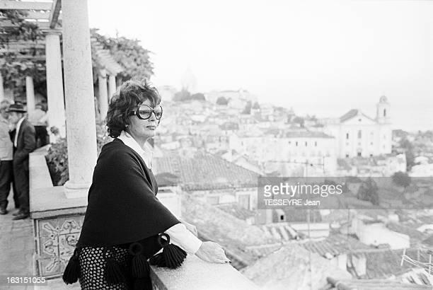 Amalia Rodrigues The Voice Of Portugal Lisbonne 6 Octobre 1975 Amalia RODRIGUES chanteuse fadiste et actrice portugaise portant des lunettes de vue...